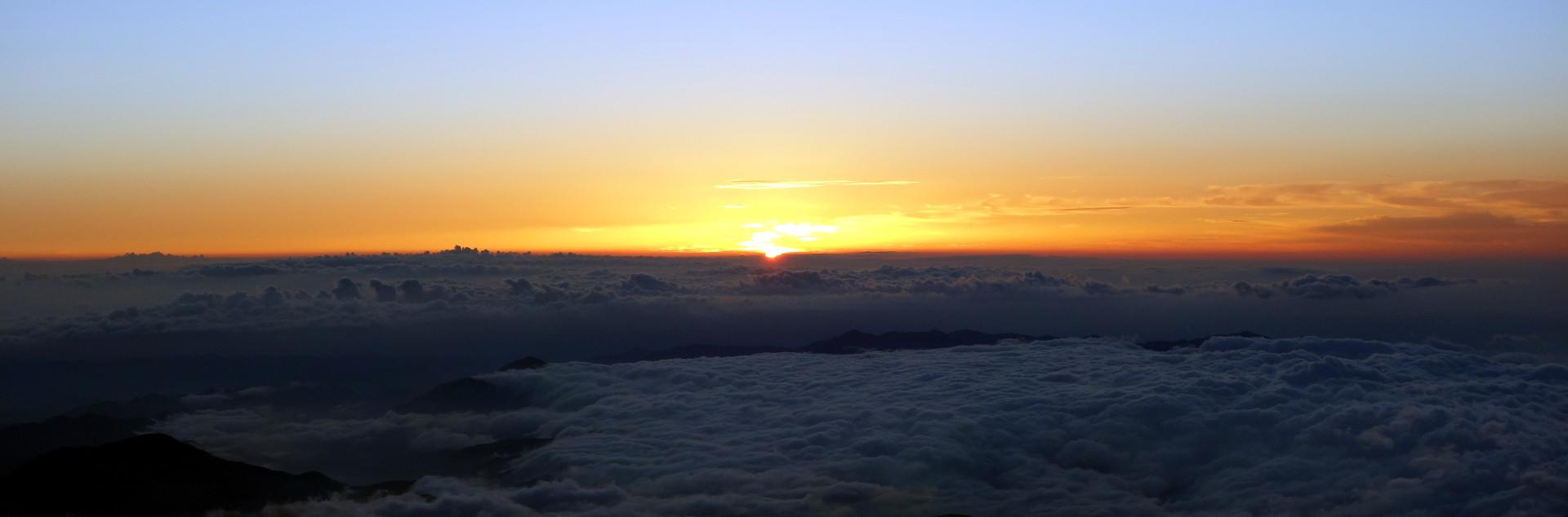 20140806 220756 fujisan sunrise